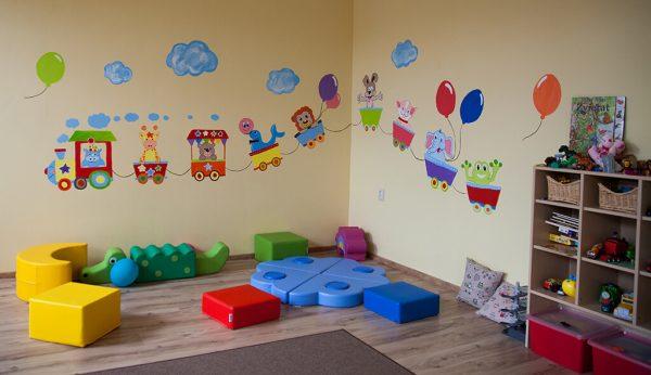 Farebné maľby na stenách ako z rozprávky