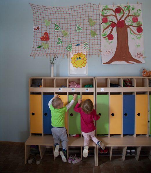Farebné šatne pre deti